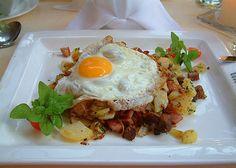 Nadire Atas on Austrian Cuisine Austrian Cuisine, Vegetarian Recipes, Cooking Recipes, Cooking Tips, Austrian Recipes, Main Meals, Fall Recipes, Food Dishes, Foodies