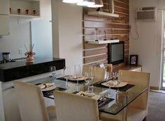 Mesas encostadas em paredes e bancadas – otimize o espaço de sua casa!