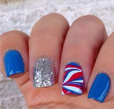 I love 4 of July!! Love these 4 of July nails!!