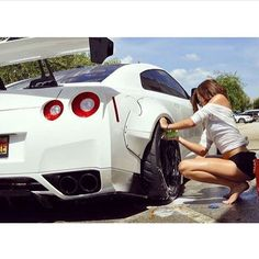 car washer and GTR Trucks And Girls, Car Girls, Sexy Cars, Hot Cars, Wallpaper Carros, Lamborghini, Gtr 35, R35 Gtr, Nissan Gtr Skyline