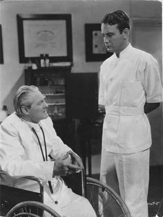 Lionel Barrymore as Dr Gillespie and Lew Ayres as Young Dr Kildare (1938), the first of 9 films in their Dr Kildare series.