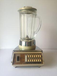 Vintage Blender, Waring Blender, Retro Barware, Chrome Gold Solid State Blender, Cream & Glass Blender, Vintage Kitchen, 1970's Kitchen