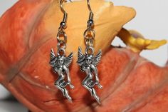 Fairy pendant earrings tibetan silver fairies por becomefashionable #fairy #fairies #fairyearring #earrings