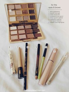 I would love to have these beauties in my bag. http://thebeautydepartment.com/2017/01/in-her-bag/ #makeup