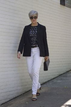 Fashion Trends for Women Over 50 - Fashion Trends Fashion For Women Over 40, 50 Fashion, Fashion Outfits, Fashion Trends, Korean Fashion, 50 Style, Preppy Style, Mode Ab 50, Mature Women Fashion