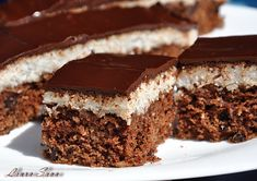 Prajitura Bounty de post Raw Vegan Desserts, No Cook Desserts, Vegan Sweets, Sweets Recipes, Cake Recipes, Dairy Free Soy Free Recipe, Homemade Sweets, Romanian Food, Cooking On The Grill