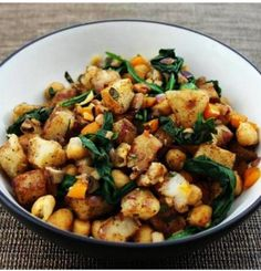 Warm Potato Salad with Spinach and Chickpeas | One Green Planet #MeatlessMonday #potatoes