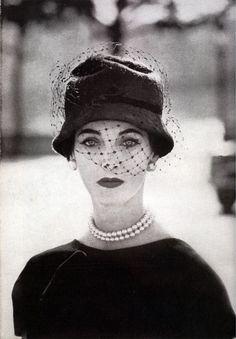 my vintage vogue Moda Vintage, Vintage Vogue, Vintage Fashion 1950s, Vintage Couture, Vintage Glamour, Retro Fashion, Victorian Fashion, Club Fashion, Vintage Beauty
