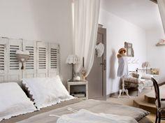 Une chambre zen et épurée / A bedroom zen and pure : http://www.maison-deco.com/chambre/deco-chambre/Des-chambres-zen-et-epurees