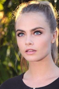 Cara Delevingne - Most Beautiful Girls Perfect Eyebrows, Miranda Kerr, Celebs, Celebrities, Woman Crush, Mannequins, Selena Gomez, Pretty People, Doll Makeup