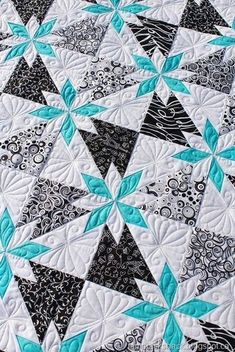 Rapid Fire Hunters Star quilt Love the black and white! Star Quilt Blocks, Star Quilt Patterns, Star Quilts, Hunters Star Quilt, Black And White Quilts, Machine Quilting Designs, Longarm Quilting, Square Quilt, Quilt Making