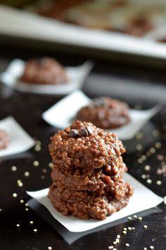 No-Bake Chocolate Peanut Butter Quinoa Cookies (vegan, gluten-free, and no refined sugar!)