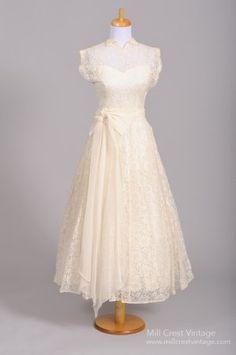 Vintage Tea Length Wedding Dresses   1950 Lace Tea Length Vintage Wedding Dress