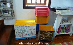 Além da Rua Atelier by ALÉM DA RUA ATELIER/Veronica Kraemer, via Flickr  #reciclagem #reutilização #caixote #alemdarua