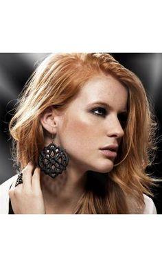 Boucles d'oreilles baroque en cuir noir