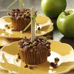 Caramel Apple Cupcakes Recipe from Taste of Home -- shared by Diane Halferty of Corpus Christi, Texas Caramel Apple Cupcakes, Caramel Apples, Apple Caramel, Cakepops, Cupcake Recipes, Cupcake Cakes, Dessert Recipes, Cupcake Ideas, Party Recipes