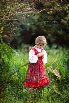Ruslan and Lyudmila, fairytale photography, fable shoot, Ruslan and Lyudmila, Pushkin, Russian costume, story book by Tamara Knight Photography