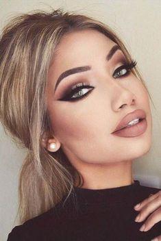 Makeup Looks Dark onto Smokey Eye Makeup Looks For Blue Eyes Cat Eye Makeup, Full Face Makeup, Blue Makeup, Contour Makeup, Prom Makeup, Smokey Eye Makeup, Wedding Makeup, Makeup Style, Eyeliner Cat