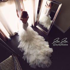wedding dress & beautiful shot of the bride Wedding Goals, Wedding Attire, Dream Wedding Dresses, Bridal Dresses, Gatsby Wedding Dress, Before Wedding, Beautiful Gowns, Dream Dress, Bridal Collection