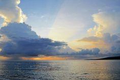 Simon Anon Satria: Pemandangan Matahari Terbit di Pantai Watudodol - Banyuwangi, Jawa Timur.