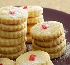 Botter Koekies Hierdie resep maak sommer & klompie koekies - Lewer 96 10 ml t) bakpoeier 4 x 250 ml k) koekmeel . My Recipes, Sweet Recipes, Baking Recipes, Cookie Recipes, Dessert Recipes, Favorite Recipes, Stork Recipes, Braai Recipes, Halal Recipes