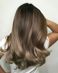 49 Beautiful Light Brown Hair Color To Try For A New Look Gorgeous Balayage Hair Color Ideas - brown Balayage Highlights,Beachy balayage hair color Ash Brown Hair Color, Brown Hair Shades, Brown Blonde Hair, Ombre Brown, Blonde Ombre, Blonde Waves, Light Brown Hair Colors, Dark Hair, Trendy Hair Colors
