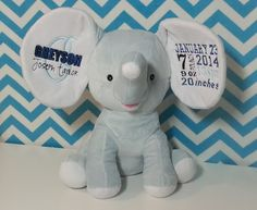 Personalized Baby Cubbies Embroidered Elephant by HibouTChoux Having A Baby, Cubbies, Personalized Baby, Creative Gifts, Kids And Parenting, Baby Toys, Baby Gifts, Cool Stuff, Kid Stuff
