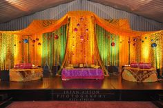 warm subtle lighting for stage (Sangeet) Shaadi Belles : Search, Save, & Share your South Asian Inspiration Indian Wedding Mehndi, Desi Wedding, Indian Weddings, Luxury Wedding, Wedding Trends, Wedding Designs, Wedding Styles, Wedding Ideas, Lighting For Stage
