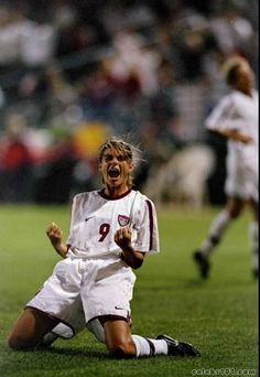 Google Image Result for http://www.celebs101.com/gallery/Mia_Hamm/78932/mia_hamm_photo_8.jpg
