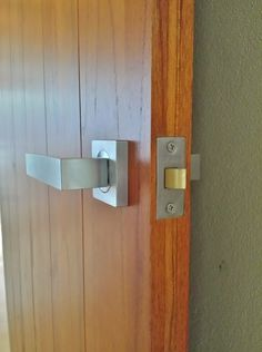 Parisi - Quadro, lever handles on a Delco tubular latch. Supplied by Keeler Hardware - Sydney. #Parisi #Quadro #Keelerhardware
