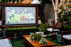 9 Ways to Get the Backyard of Your Dreams on a Budget
