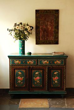 I want some turquoise colored furniture. (Photo was taken at Hibiscus Guesthouse… – Indian Living Rooms Rustic Living Room Furniture, Home Decor Furniture, Furniture Design, Wooden Furniture, Vintage Furniture, Living Rooms, Ethnic Home Decor, Indian Home Decor, Wooden Sofa Set