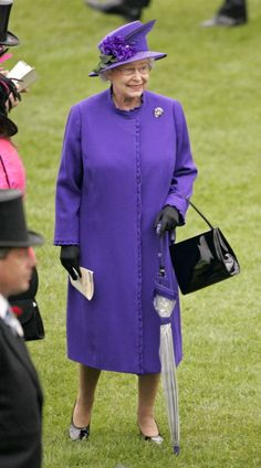 Queen Elizabeth, 2005 (PS). Pretty style from the Queen Mother.
