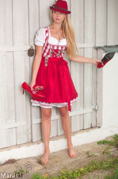 Mini Dirndl checkered red-and-white