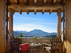 Mountain Retreat - rustic - Deck - Other Metro - Yellowstone Traditions Terrasse Design, Balkon Design, Moonlight Basin, Rustic Deck, Rustic Porches, Balcony Furniture, Mountain Homes, Mountain Cabins, Mountain View