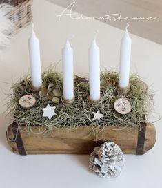 Christmas And New Year, Christmas Diy, Brick Molding, Advent Candles, Advent Wreath, Diy Flowers, Flower Arrangements, Lanterns, Wreaths
