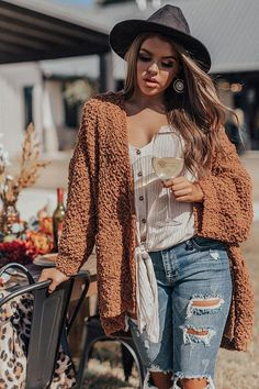 Women S Fashion And Retail Magazine Referral: 8010759433 Outfits Otoño, Trendy Fall Outfits, Fall Fashion Outfits, Fall Winter Outfits, Autumn Winter Fashion, Boho Fashion, Fashion Clothes, Fall Country Outfits, Bohemian Fall Outfits