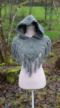 Crochet Hood, Knit Crochet, Larp, Vikings, Viking Hood, Winter Poncho, Make Your Own Clothes, Medieval Clothing, Beautiful Textures