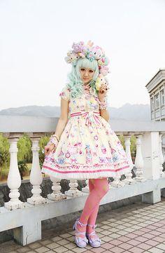 Lolita Fashion (by TINY Sue) http://lookbook.nu/look/3280621-Lolita-Fashion