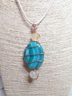 Collana con pietra color acquamarina  intrecciata con filo di rame #homemade #madewithlove #perasperaadastra #jewerly #pietre #gioiellifattiamano #rame