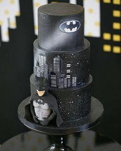 #BatMan... CAKE ART via @babkadesign ❤️❤️❤️❤️ #Cakebakeoffng #CboCakes #InstaLove #LikeforLike #AmazingCake #CakeInspiration