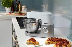 WIN an Amazing Kenwood Chef Sense Worth £449.99!  This competition closes on the 30th April.