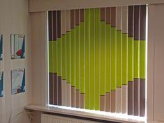 Zonwerende en isolerende lamellen die ook nog eens akoestisch zijn! Ideaal voor kantoorgebouwen. Verschillende kleurtinten zijn combineerbaar.