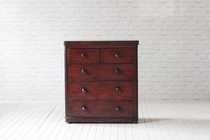 A Victorian mahogany chest of drawers.   (1837-1910)  Two short over three long drawers in original condition.