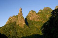 Pico Dedo de Deus, no Parque Nacional da Serra dos Órgãos, Teresópolis (RJ)