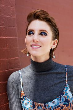 10 Holiday Beauty Lessons We Learned From NYC #refinery29  http://www.refinery29.com/winter-makeup-street-style-looks#slide-3  Name: Alison BartonAge: 25Occupation: Actress/writerSpotted: Between Grand and Crosby streetsGet her look:  If you swear by a smoky eye, update your signature look with bold blue color and a geometric shape like Alison does here. Using a flat brush, cover your entire eyelid with navy cream ...