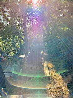 見るだけで運気がドカンとアップする!「光の写真」   西田普オフィシャルブログ「自然に還ると、健康になるでしょう」Powered by Ameba Beautiful Lights, Beautiful Places, Big Universe, Angel Clouds, Orb Light, Biology Art, Spirited Art, Color Pencil Art, Lens Flare