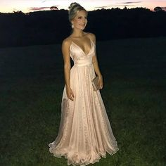 Inspiração de vestido maravilhoso para as madrinhas e formandas lindas ❤️ #casamento #noiva #madrinha #formatura #formanda…