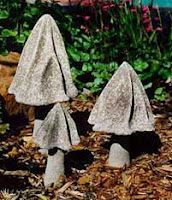 DIY Mushroom, toad stools and fungi. oh my Cement Art, Concrete Art, Concrete Garden, Concrete Planters, Concrete Molds, Concrete Furniture, Concrete Crafts, Concrete Projects, Diy Garden Projects