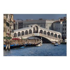 Italy Table, Tickets To Italy, Famous Bridges, Rialto Bridge, Renaissance Architecture, Grand Canal, Venice Italy, Art World, Old Things